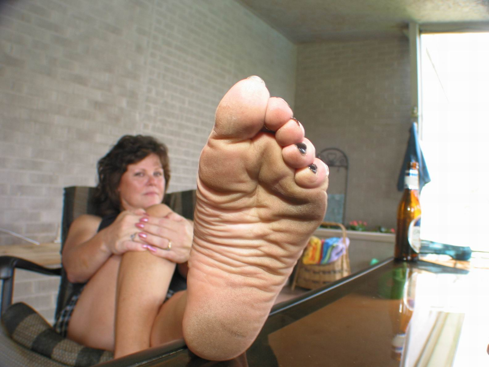 Mature ladies video lick feet
